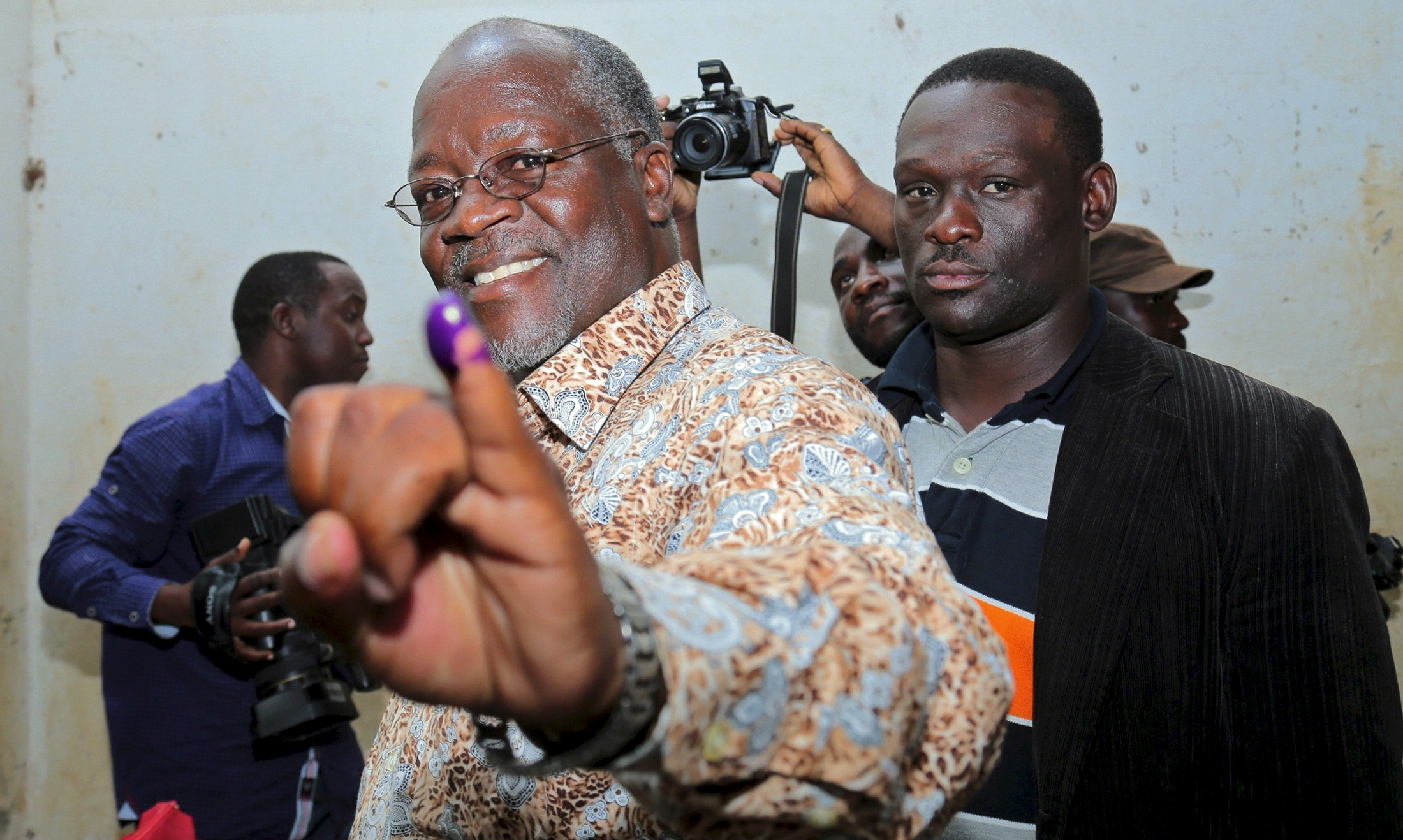 John Magufuli casts his vote during the presidential and parliamentary election in 2015.