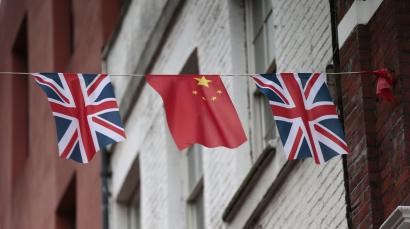 Flags of China and the UK