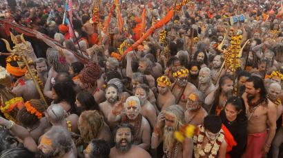 """Sadhus arrive to take a holy dip in the waters of Sangam during the second """"Shahi Snan"""" at """"Kumbh Mela"""" in Prayagraj"""