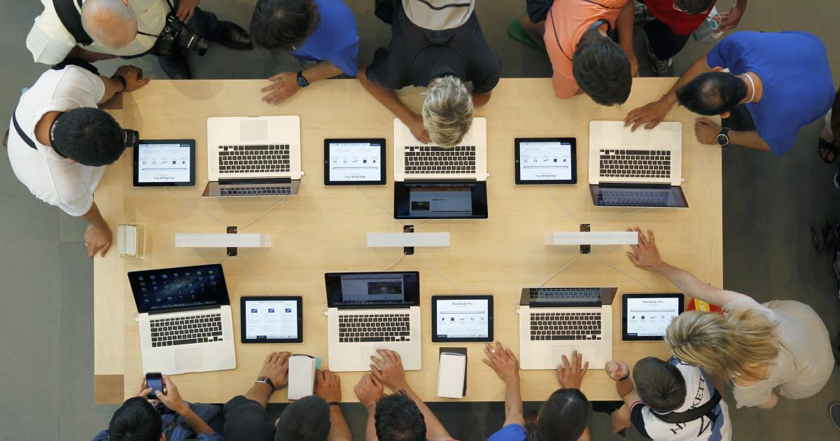 Apple has recorded its best-ever quarterly sales of laptops and tablets in India