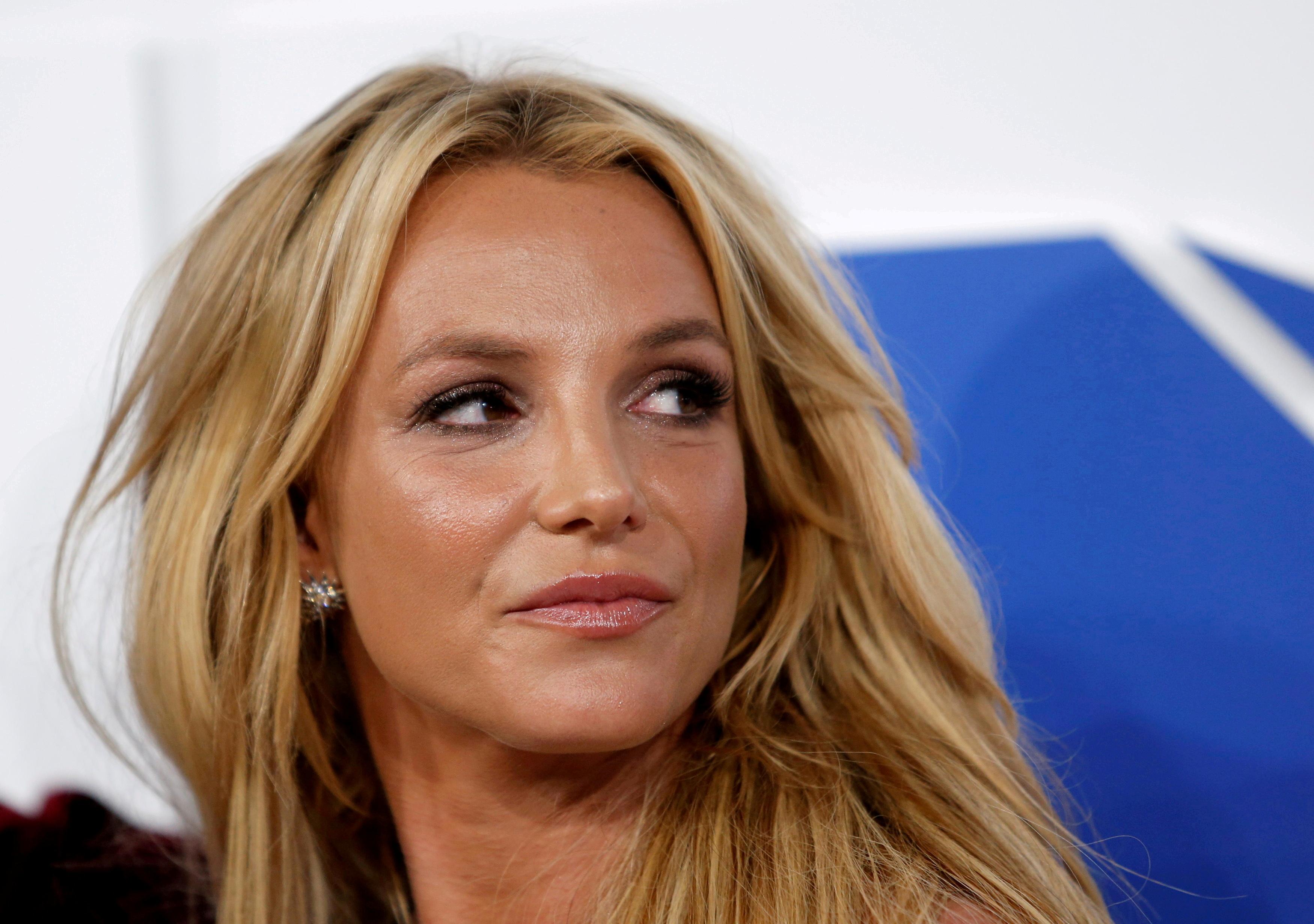 Singer Britney Spears arrives at the 2016 MTV Video Music Awards in New York