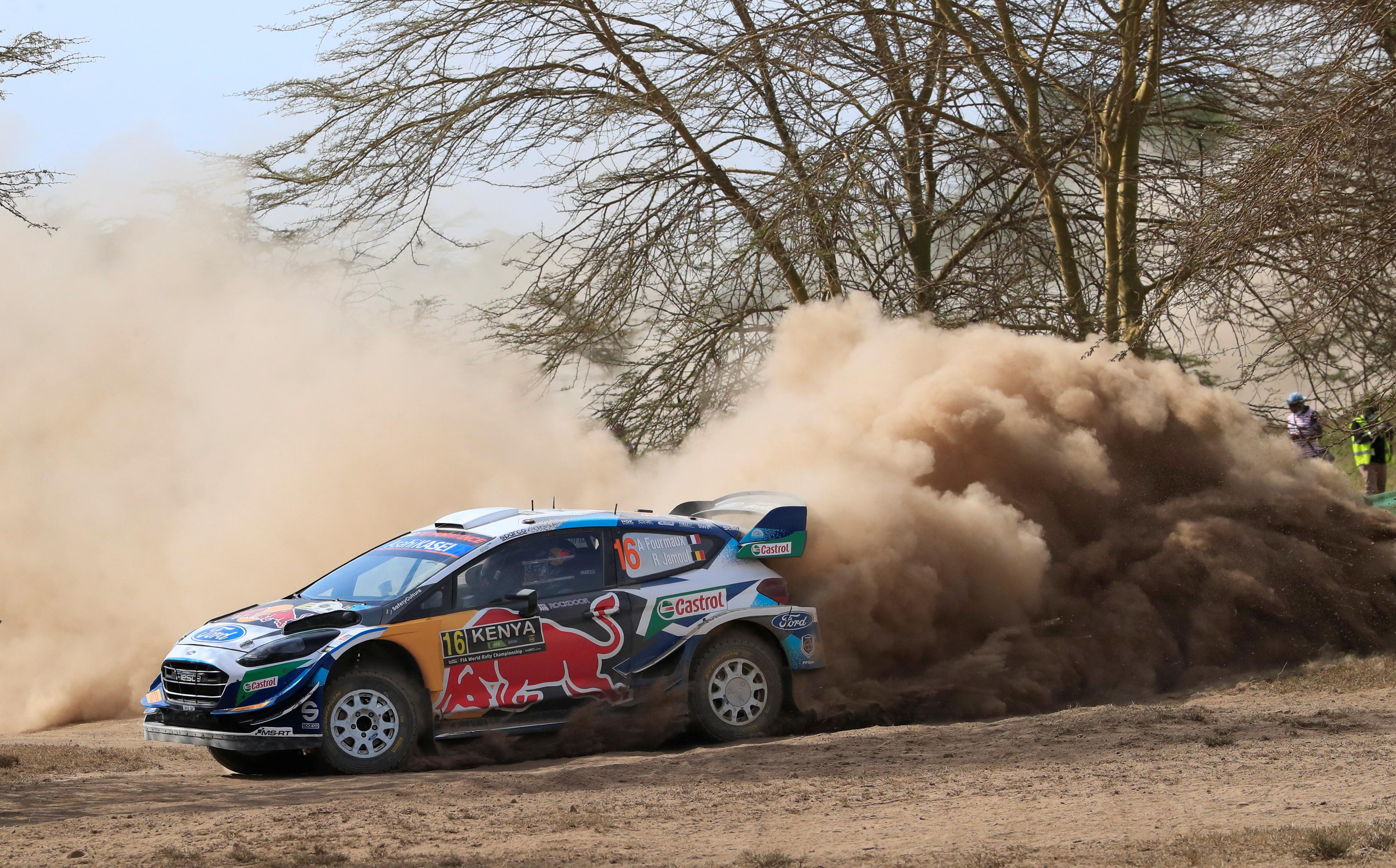 O piloto da Ford Adrien Fourmaux e o co-piloto Renaud Jamoul em ação.
