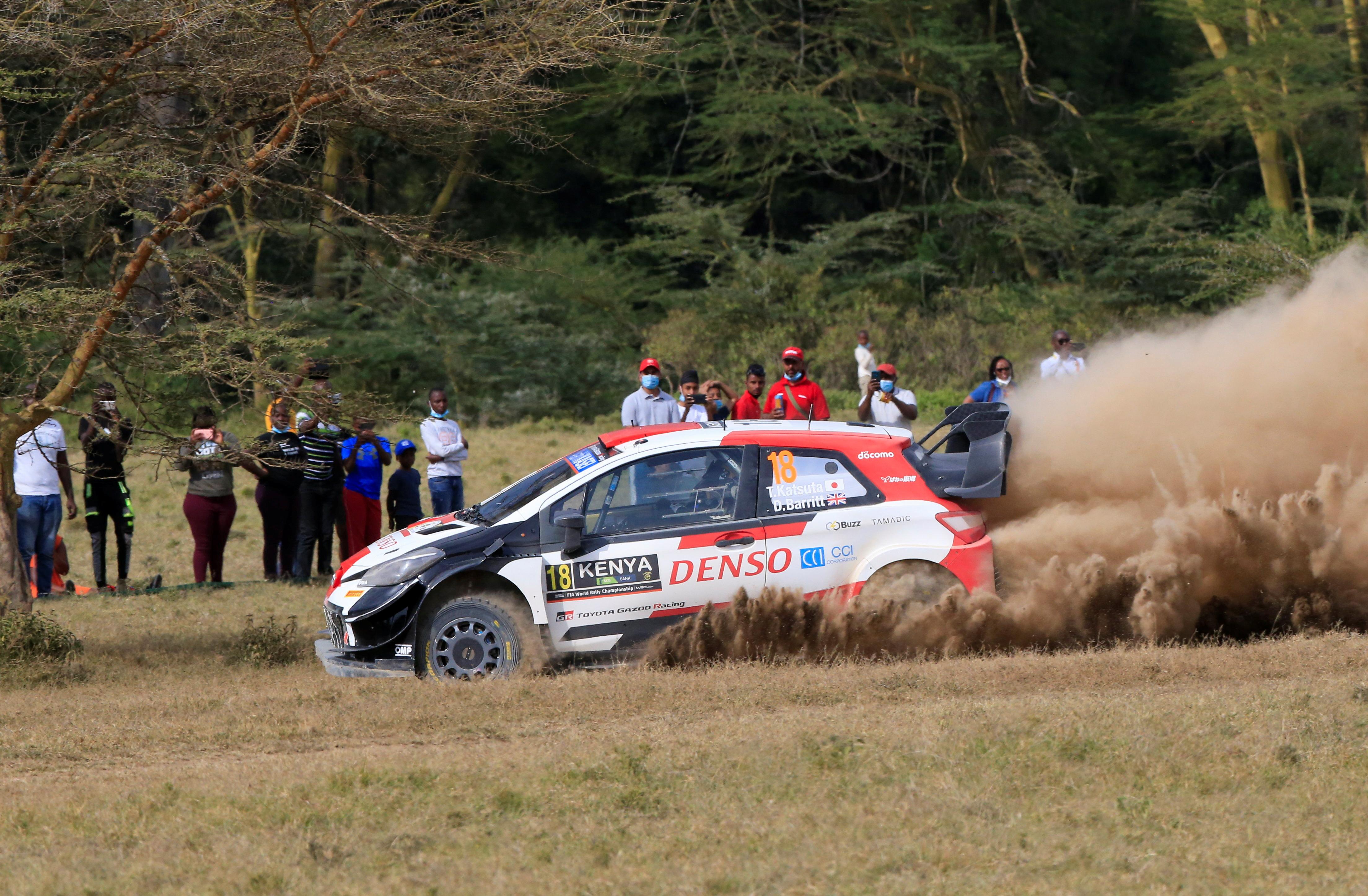 O piloto da Toyota Takamoto Katsuta e o co-piloto Daniel Barritt em ação.