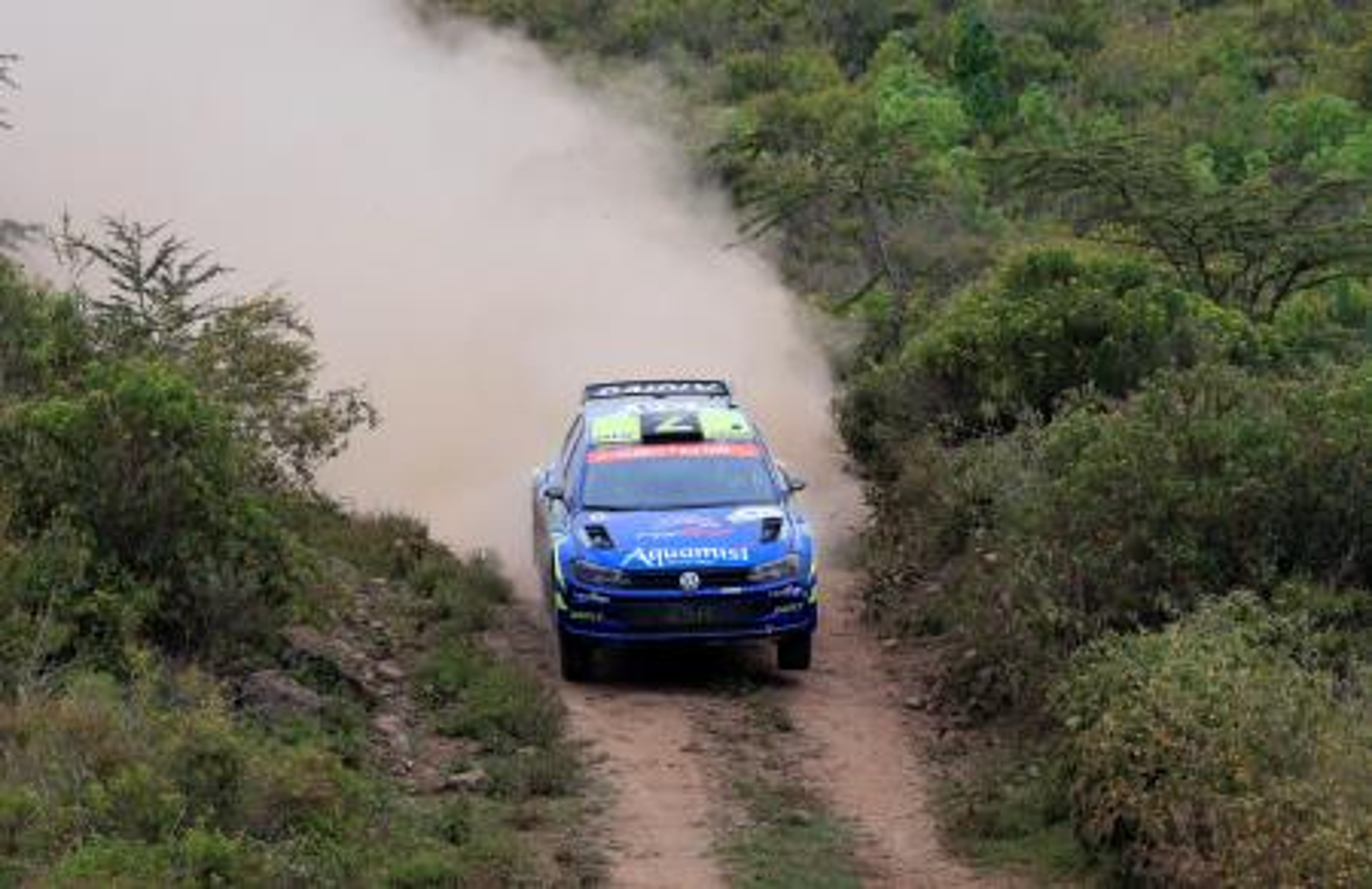 O piloto da Volkswagen Onkar Rai e o navegador Drew Sturrock em ação.