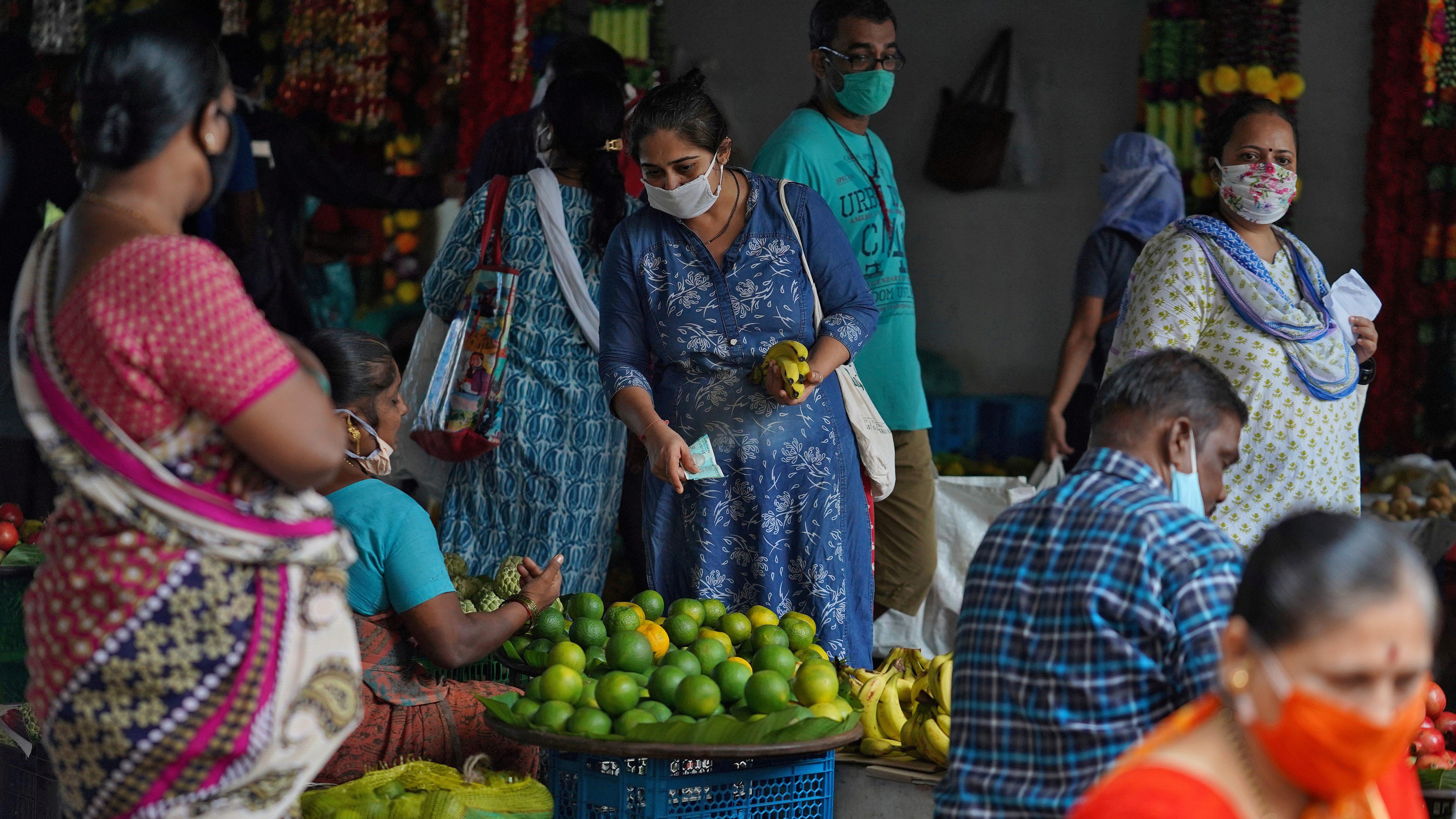 FILE PHOTO: Outbreak of coronavirus disease (COVID-19) in Mumbai