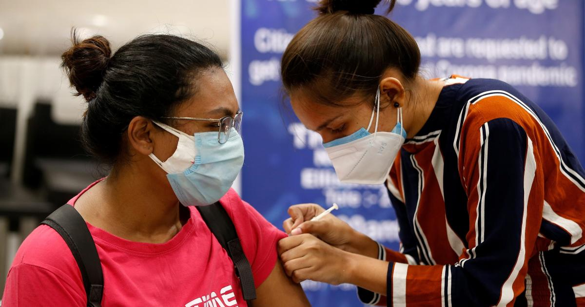 Will India meet its target of vaccinating 300 million people by August?