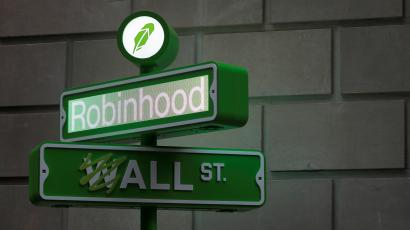 The logo of Robinhood Markets, Inc. is seen at a pop-up event on Wall Street after the company's IPO in New York City, U.S., July 29, 2021.
