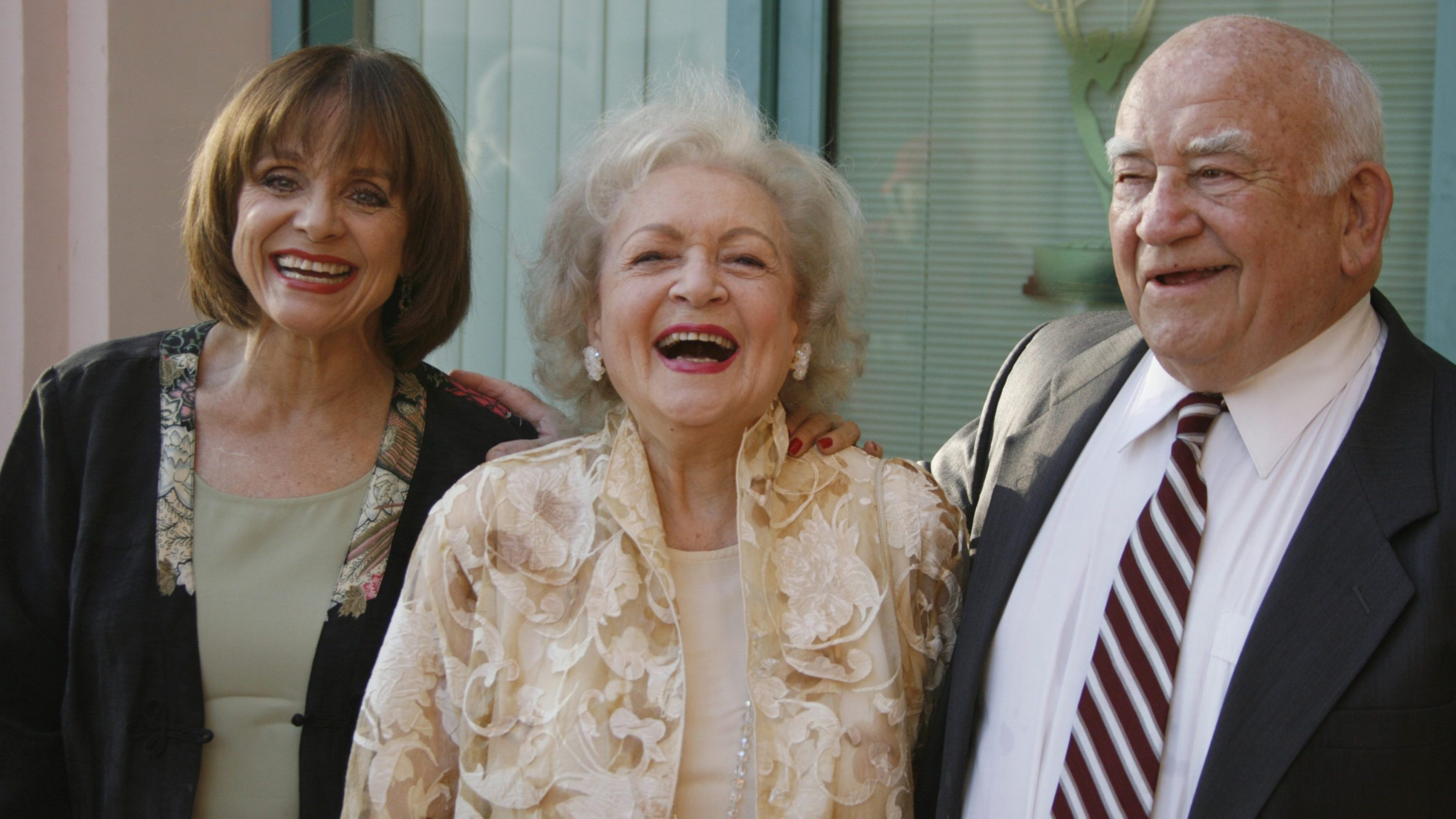 Ed Asner with his former castmates Betty White and Valerie Harper